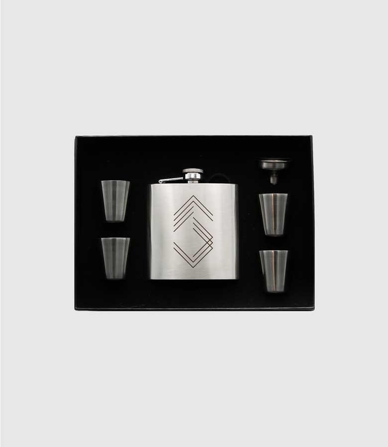 Sharpe Suiting Flask Set